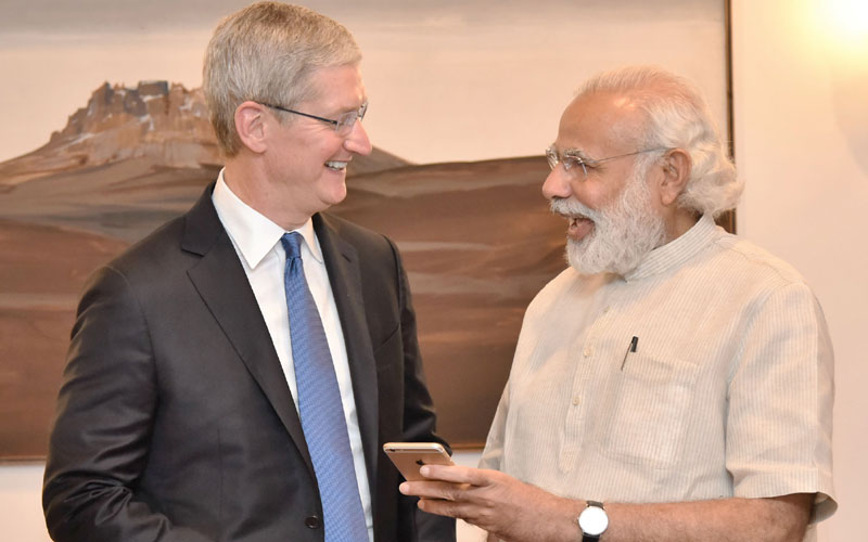 timcook meet pm modi